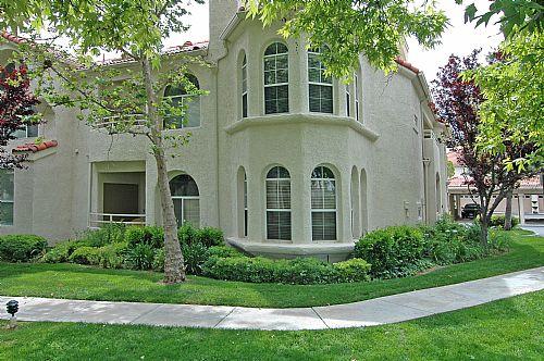 Stevenson Ranch Condos - Crown Villas